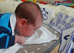 Kontraszt kártyák - így fejlesztheted kisbabád figyelmét és látását egy egyszerű, de nagyszerű módszerrel   Családinet.hu Montessori, Teaching, Face, Tips, The Face, Education, Faces, Onderwijs, Facial