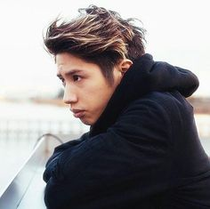 How is he so hot and cute all together this is illegal One Ok Rock, Mom Clips, Takahiro Morita, Takahiro Moriuchi, Rock Hairstyles, Rock Videos, Pop Rocks, Look Cool, Rock Music