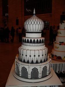 Black and white Taj Mahal wedding cake. Crazy Cakes, Fancy Cakes, Cute Cakes, Fondant Cakes, Cupcake Cakes, Eid Cakes, Beautiful Cakes, Amazing Cakes, Architecture Cake