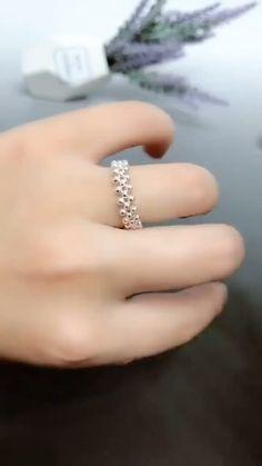 Diy Crafts Friendship Bracelets, Diy Bracelets Easy, Bracelet Crafts, Friendship Bracelet Patterns, Handmade Bracelets, Hemp Bracelets, Diy Friendship Rings, Diy Rings Easy, Simple Rings