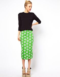 Daisy Print Retro Skirt... Something about this just makes me Happy :)