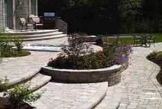 Mega-Bergerac Plus paver Range Norvick Grey + Celtik wall range Norvick Grey permacon.ca