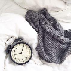 Rainy days always make me want to crawl back in bed and snuggle up #itsrainingitspouring