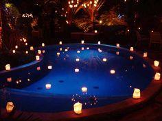 Piscina com Velas Flutuantes Pool Wedding, Wedding Reception, Rustic Wedding, Dream Wedding, Wedding Day, Hollywood Wedding, Hollywood Theme, Sunset Party, Night Time Wedding