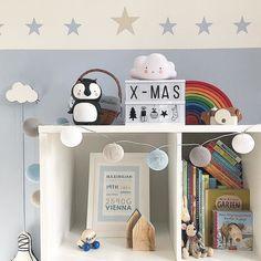 Farblich perfekt abgestimmt - die ganz persönliche good moods Lichterkette der lieben @katharinaandmax! We  it! #goodmoods #stringlights #lichterkette #kids #kinder #kinderzimmer #kidsroom #decoration #allc #kallax #alittlelovelycompany #kidsofinsta #kidsofinstagram #winter #christmas #present
