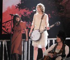"Taylor Swift ""Mean"""