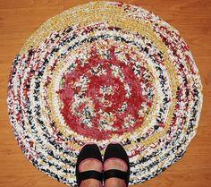 DIY Häkelteppich Crochet Rug  http://wollfadenwelt.blogspot.co.at/        Dieser Teppich ist ein *Unikat*    Farbabweichung durch Digitalaufnahme möglich.     ...