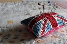 ༺༺༺♥Elles♥Heart♥Loves♥༺༺༺ .............♥Pincushions♥............. #Pincushion #Pin #Cushion #Design #Sewing #Notions #Needle #Handmade #Vintage #Craft #Tutorial #Pattern ~ ♥Playing in the Attic The Parade of the Pincushions