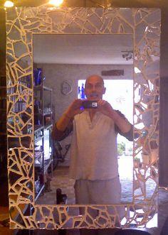 I made this broken mirror mirror! Mirror Mosaic, Mirror Art, Mosaic Art, Mirror Ideas, Mirror Glass, Broken Mirror Diy, Broken Mirror Projects, Mirror Crafts, Mirrored Furniture