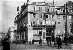 Rua Garrett, Armazéns Ramiro Leão & Cª, edifício construido em 1891. Início sec. XX.