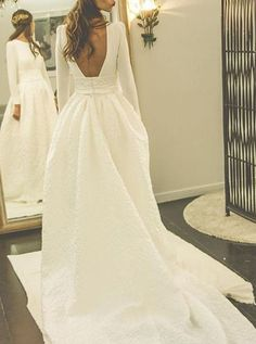long wedding dresses, backless wedding dresses, wedding dresses with long sleeves, elegant wedding gown, speical wedding gown