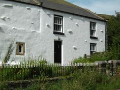 Sandbed Cottage, facing Wild Boar Fell. - Sandbed Cottage, Dog Friendly Retreat in The Lake District, Sleeps 4 http://www.independentcottages.co.uk/lake_district/sandbed-cottage-ref2223
