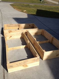 DIY Raised Garden Beds from Repurposed Pallets | life without peanut butter