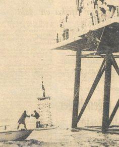 Op 17 december 1964 maakte de Nederlandse Marine en de Rijkspolitie te Water een einde aan TV-uitzendingen vanaf het REM-eiland, een omgebouwd olieplatform op de Noordzee dat zeven mijl uit de Nederlandse kunst in internationale wateren lag.