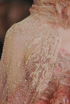 Alexander McQueen S/S pink feminine details. Fashion Mode, Look Fashion, Couture Fashion, Feminine Fashion, Alexander Mcqueen, Couture Details, Fashion Details, Couture Embroidery, Lesage