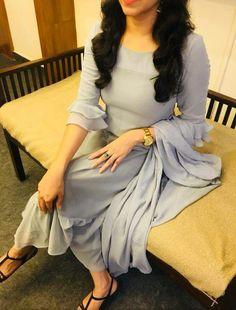 Silk Kurti Designs, Simple Kurta Designs, Kurta Designs Women, Kurti Designs Party Wear, Salwar Designs, Dress Indian Style, Indian Fashion Dresses, Indian Designer Outfits, Sleeves Designs For Dresses