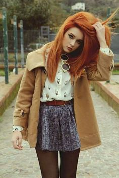 Beautiful redhead with outfit ranging in brown hues. Strawberry Blonde Hair Color, Red Hair Color, Hair Colorful, Looks Pinterest, Red Hair Don't Care, Ginger Girls, Beautiful Redhead, Ginger Hair, Mode Style
