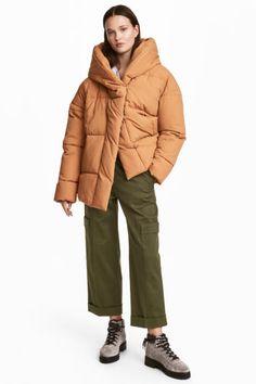 Vatovaná bunda s kapucí - Velbloudí srst - ŽENY  9996857414b
