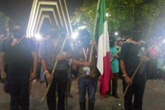 Antigrito en Tuxtla Gutiérrez y Palenque, Grito oficial en Tapachula tras reprimir a pueblo rebelde