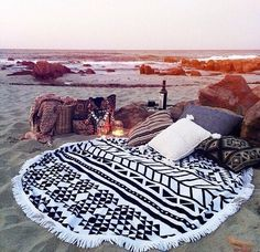 Sea picnic! I can't wait to get one of these Aztec towels..eagerly awaiting my birthday! www.thebeachpeople.com.au