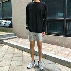 I like the pins that you try By: Thakes Korean Outfits, Short Outfits, Cool Outfits, Casual Outfits, Men Casual, Fashion Outfits, Sneakers Fashion, Korean Fashion Men, Ulzzang Fashion