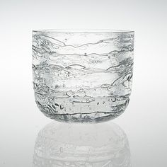 What I would do to find one of this. Timo Sarpaneva: Archipelago glass bowl for Iittala. Bottle Design, Glass Design, Design Art, Glass Room, Glass Art, Glass Ceramic, Vintage Pottery, Scandinavian Design, Clear Glass