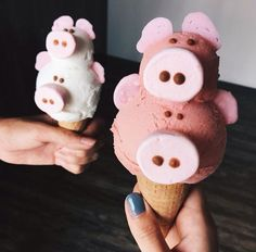 i squeal for ice cream Yummy Treats, Sweet Treats, Yummy Food, Pastel Cupcakes, Gateaux Cake, Cute Desserts, Macaron, Aesthetic Food, Cute Food