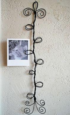 Curly wire frame photo-postcard-card holder  #DIY #craft