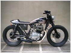 """Ulah Adigung 002"", Kawasaki KZ200 - custom build by Gilberto Manoch"