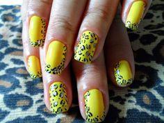 unhas decoradas amarelo com tigrado