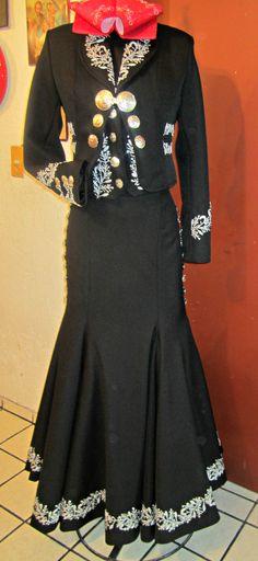 Vestido de charro para mujer