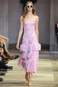 Carolina Herrera Spring 2016 Ready-to-Wear Fashion Show - Lily Aldridge