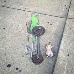 David Zinn Chalk Art Cartoons On The Streets Of Michigan - streetart Urban Street Art, 3d Street Art, Street Art Graffiti, Street Artists, Urban Art, Graffiti Artists, David Zinn, Chalk Pictures, Pablo Picasso