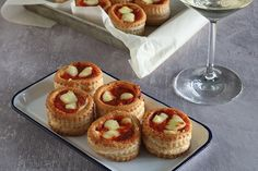 Ricetta Vol au vent rustici Vol Au Vent, Finger Foods, Salsa, Cheesecake, Menu, Desserts, Recipes, Menu Board Design, Tailgate Desserts