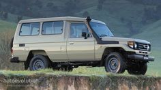 TOYOTA Land Cruiser FJ70 5 Seater (1984 - 1990) TROOPY.   Perfect Overland Platform