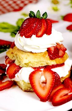 "Here's a classic strawberry shortcake made from scratch. Recipe creator Denyse describes this as ""An old-fashioned, tender shortcake with two layers of strawberries topped with whipped cream. Strawberry Shortcake Dessert, Strawberry Tea, Shortcake Recipe, Strawberry Desserts, Mothers Day Desserts, Summer Desserts, Delicious Desserts, Dessert Recipes, Yummy Food"