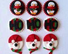 Una docena de Santa, renos, muñecos de nieve y elf hacen este juego de Navidad única e inolvidable para tus hijos.