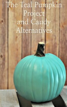 The teal pumpkin project for food allergies and candy alternatives for… Halloween Treats For Kids, Halloween Boo, Holidays Halloween, Halloween Crafts, Halloween Ideas, Happy Halloween, Holiday Fun, Festive, Teal Pumpkin Project