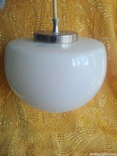 lampara plafon con tulipa blanca opalina forma - Comprar Lámparas vintage en todocoleccion - 149849086 Bauhaus, Flask, Barware, Lamps, Direct Sales, Lanterns, Shapes, Lightbulbs, Light Fixtures