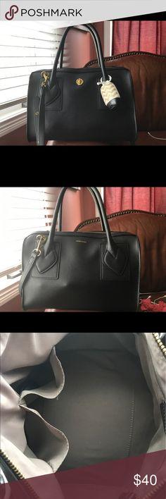 Anne Klein Tote Bag Black NWOT Anne Klein Tote with Crossbody strap! Anne Klein Bags Crossbody Bags