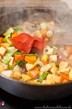 Rinder-Rouladen {klassiker}   lecker macht laune Pot Roast, Food And Drink, Ethnic Recipes, Dinner, Schnitzel Recipes, Chef Recipes, Yummy Food, Food And Drinks, Carne Asada