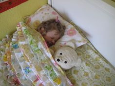 girl+sleeping+under+a+quilt+quilt | ... and Simplicity: 10 Modern Versions of a Traditional Art Form: Quilting
