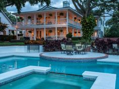 GORGEOUS BUTLER CHAIN, PLANTATION STYLE HOME IN WINDERMERE - Florida