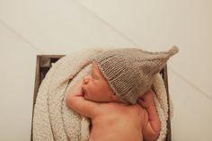 Nyfødtfotografering av liten gutt   www.tanjamyrbraten.no