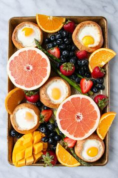 Beautiful brunch board featuring Oven Baked Eggs in Bread. Perfect Mother's Day Brunch recipe. Easy Breakfast Casserole Recipes, Easy Brunch Recipes, Homemade Breakfast, Best Breakfast Recipes, Savory Breakfast, Quiche Recipes, Sweet Breakfast, Oven Baked Eggs, Mother Day Wishes