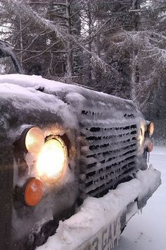 Winter driving in a 27 year old ex-MOD Land Rover 90 - ideal vehicle for it! Landrover Defender, Defender 110, Bug Out Vehicle, Land Rovers, Range Rover, Great Pictures, Offroad, 4x4, Around The Worlds