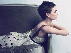 Natalie Portman short pixie hair