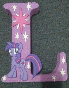 Letras my little pony My Little Pony Birthday Party, Rainbow Birthday Party, Unicorn Birthday Parties, Unicorn Party, Cumple My Little Pony, My Lil Pony, My Little Pony Decorations, Little Poney, Rainbow Parties