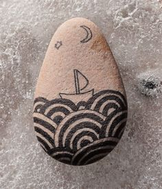 Drawing On Creativity pebble art, drawing on pebble, painted rock, painted stone, sea painting - Rock Painting Ideas Easy, Rock Painting Designs, Painting For Kids, Pebble Painting, Pebble Art, Stone Painting, Painted Garden Rocks, Painted Rocks Kids, Stone Crafts