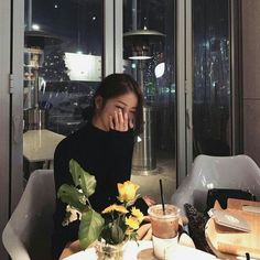 Ulzzang shared by Dorina Vórincsák on We Heart It Ulzzang Korean Girl, Ulzzang Couple, Cute Korean Girl, Asian Girl, Korean Aesthetic, Aesthetic Girl, Uzzlang Girl, Korean Couple, Hipster Outfits